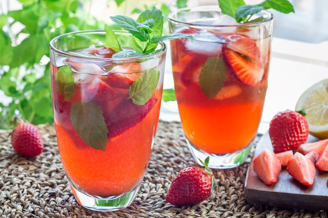 Hibiscus Tea With Citurs Strawberries and Mint